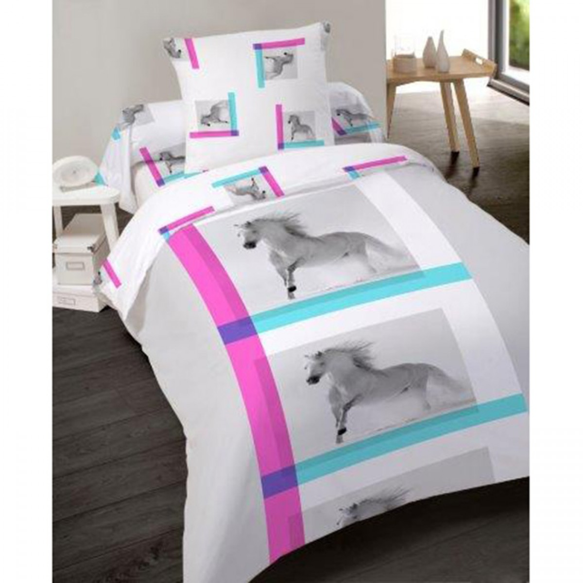 housse de couette 140x200cm cheval en polyester les douces nuits de ma linge de maison. Black Bedroom Furniture Sets. Home Design Ideas