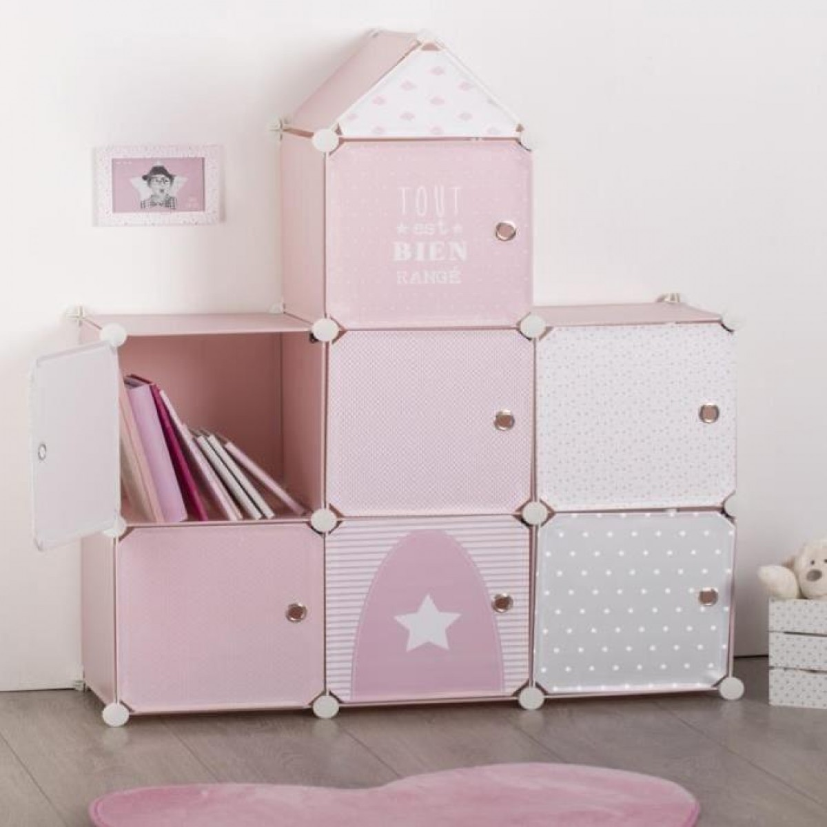 meuble de rangement rose en forme de ch teau les douces nuits de ma linge de maison. Black Bedroom Furniture Sets. Home Design Ideas