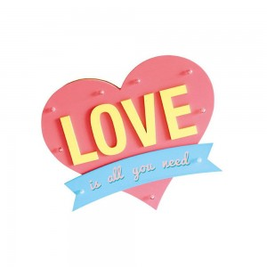 Décoration lumineuse LOVE is all you need