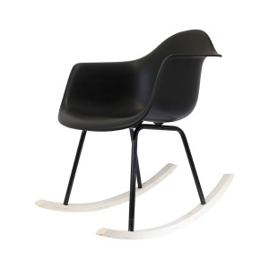 fauteuil bascule scandinave blanc les douces nuits de ma linge de maison. Black Bedroom Furniture Sets. Home Design Ideas