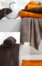 Linge de toilette orange et chocolat